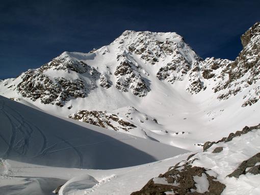 """Mont Fort (3330 m) """"back side"""", raj za ljubitelje smučanja izven smučišč"""