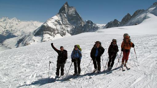 Eden od naj  turnosmučarskih dni sploh. Med spustom iz sedla Valpeline v Zermatt.