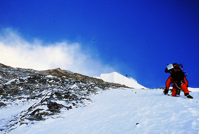 V steni Gjačung Kanga (7952 m)